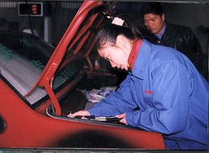 """截至昨日,郑州市已有5辆轿车被改装成""""双燃料汽车"""",其中有3辆高清图片"""